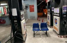 Bồn chứa còn 20 ngàn lít, cây xăng ở Hà Nội vẫn từ chối bán vì 'hết hàng'