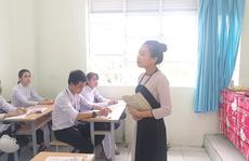 CLIP: Cô giáo trẻ ở Cà Mau tiết lộ lý do hát cải lương khi dạy truyện Kiều