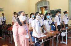 Học sinh khắp nơi háo hức trở lại trường