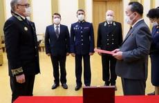 Tổng thống Putin trao kỷ niệm chương Thế chiến II cho Chủ tịch Kim Jong Un