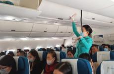 Bỏ quy định về giãn cách hành khách trên máy bay, xe buýt, taxi từ ngày mai 7-5