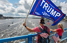 Dân Florida tưng bừng mừng sinh nhật Tổng thống Trump