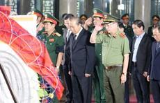 Phó Thủ tướng Thường trực Trương Hòa Bình viếng lễ tang ông Trần Quốc Hương
