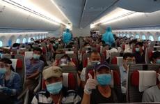 Sân bay Tân Sơn Nhất đón 266 người Việt từ Trung Đông về nước