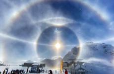 Cận cảnh những 'hào quang' lạ quanh mặt trời, mặt trăng khắp thế giới