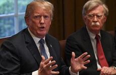 Cựu cố vấn 'diều hâu' và quyển hồi ký làm Tổng thống Trump lo ngại