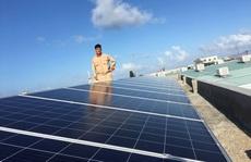 Núp bóng điện mặt trời mái nhà để hưởng lợi