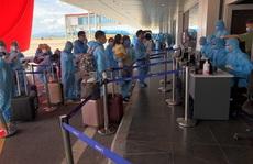 Chuyến bay đầu tiên đưa 309 người Việt ở châu Phi về nước