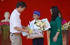 Diễn biến mới nhất vụ em học sinh dùng tay 'giải cứu' cống ở Đồng Nai
