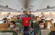 Tân Sơn Nhất đón hơn 130 người Việt mắc kẹt tại Malaysia và một số nước Châu Phi về nước