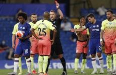 Thảm bại trước Chelsea, Man City 'dâng' ngôi vô địch cho Liverpool