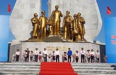 Phó Thủ tướng Thường trực Trương Hòa Bình tặng 100 xe đạp cho học sinh khó khăn ở Quảng Bình