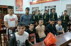 Bắt giữ 2 băng nhóm hỗn chiến náo loạn đường phố, thu nhiều 'hàng nóng'