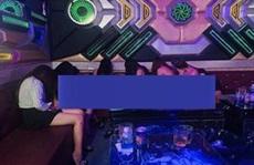 Nhiều nữ tiếp viên 'thoát y' trong quán karaoke Ngọc Châu