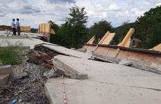 'Công trình tiền tỉ tại trường học đổ sập do… mưa gió' hơn 1 tháng nhưng chưa báo cáo