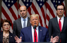 Tổng thống Trump bất ngờ nhắc đến ông George Floyd