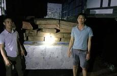 'Bí mật' trong chiếc xe tải chạy trên đường Hồ Chí Minh giữa đêm khuya