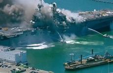 Tàu chiến Mỹ phát nổ và cháy dữ dội ngay tại cảng