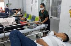 600 khách đi tiệc ở 2 nhà hàng, 99 người phải nhập viện
