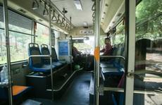 Xe buýt 'ế khách' trong những ngày Hà Nội nắng nóng gay gắt