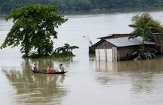 Trung Quốc hứng lũ lụt, láng giềng cũng không thoát