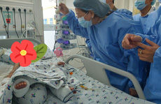 Phó Chủ tịch nước xúc động thăm 2 bé song sinh Trúc Nhi - Diệu Nhi