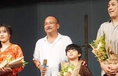 Đưa con trai 5 tuổi lên sân khấu, Hoàng Sơn dốc sức với 'Bến đục, bến trong'