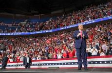 Bầu cử Mỹ: Tổng thống Donald Trump đối mặt nhiều thử thách