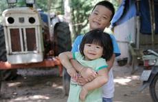 Ba đứa trẻ mất cha mẹ dưới bánh xe container: Hạnh phúc trở về