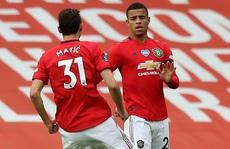 'Thần đồng' giải cứu, Man United bay thẳng Top 3 Ngoại hạng