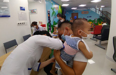Sáng 28-7, đưa 2 trung tâm tiêm chủng tại miền Đông và miền Trung vào hoạt động