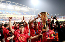 Dịch Covid: AFF Cup dời sang 2021, V-League dễ thở