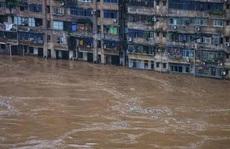Trung Quốc: Mưa lớn không dứt, lũ lụt dồn dập, người chết gia tăng