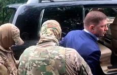 Bị nghi giết hàng loạt doanh nhân, thống đốc Nga bị áp giải về Moscow