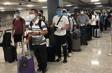 Hơn 340 người Việt từ nhiều bang ở Mỹ về hạ cánh an toàn