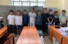 Nhóm thanh thiếu niên 'đại náo' quán trà sữa ở quận Bình Tân