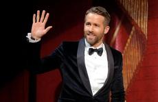 """Tài tử Ryan Reynolds kêu gọi người trẻ đừng """"giết"""" mẹ của anh"""