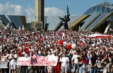 Biển người biểu tình ở Belarus, Nga và NATO ghìm nhau
