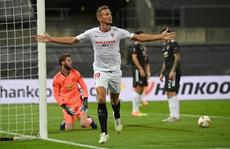 Thua ngược Sevilla ngỡ ngàng, Man United chia tay Europa League
