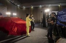 """Chân dung """"nữ hoàng livestream"""" bán được tên lửa 5,6 triệu USD"""