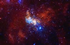 Phát hiện ngôi sao… bẹp dí, siêu đáng sợ là con lỗ đen quái vật