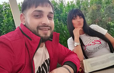 Ca sĩ Tavy Pustiu thiệt mạng vì tàu hỏa tông khi đang phát sóng trực tuyến