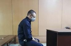 Người đàn ông ngoại quốc lãnh hậu quả vì làm liều giữa trung tâm TP HCM