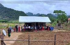 Quảng Bình: Con trai 2 tuổi đuối nước, vợ chồng tật nguyền không có tiền mua quan tài