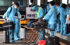 Hình ảnh Đoàn Văn Hậu về nước trên chuyến bay từ Pháp