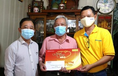 'Mai Vàng nhân ái' thăm NSƯT Phương Tùng