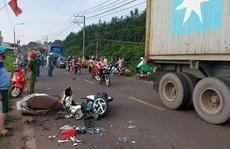 Đồng Nai: 3 xe máy tông nhau, 4 người bị thương nặng