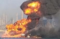 Mỹ: Tai nạn kép 'trên cháy, dưới nổ' nhấn chìm tàu nạo vét