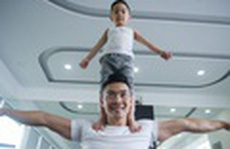 Quốc Cơ tập xiếc cho con trai 3 tuổi để lập kỷ lục Guinness Việt Nam