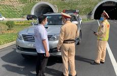 Phát hiện ô tô chở người trái phép từ Đà Nẵng đi Quảng Bình, Ninh Bình